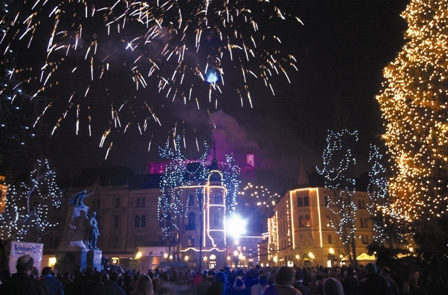 New Year's fireworks above Ljubljana (Author - Bobo)