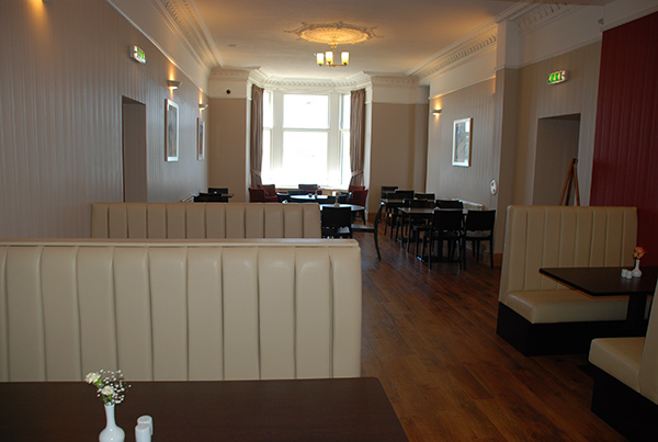 Oban hostel lounge