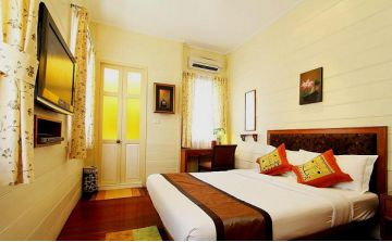 baan dinso hostel room