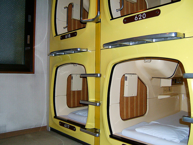 Capsule-hotel-by-LHOON
