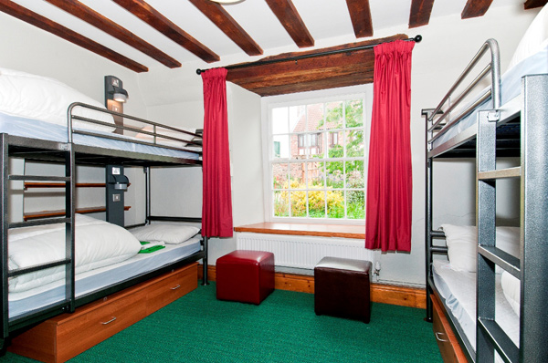 YHA Beverley Friary bedroom