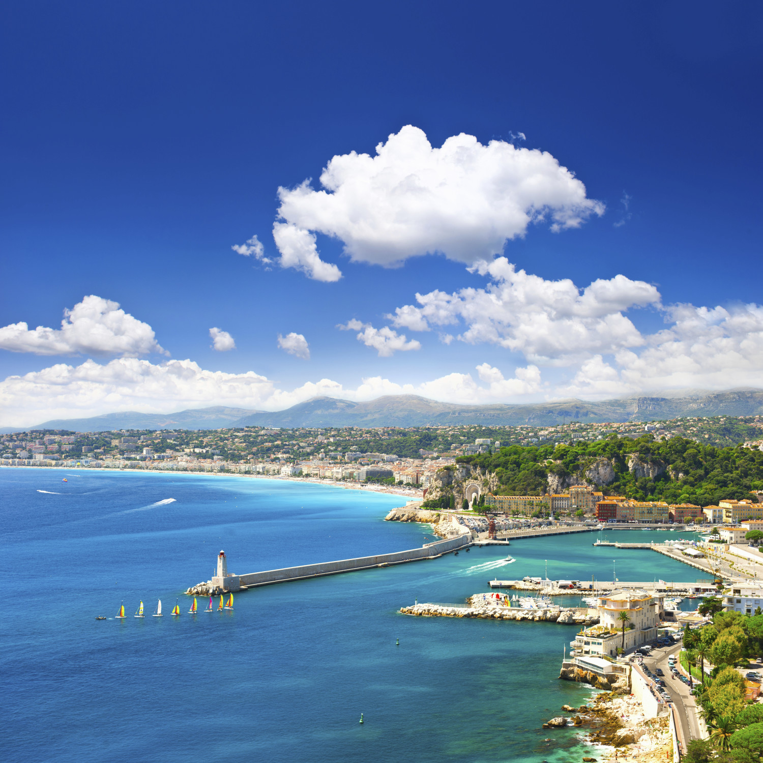 Check out the beach in Nice - just minutes away from the hostel