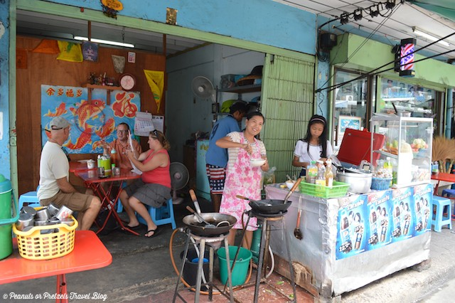 Lunch in a local Bangkok neighborhood with friendly locals - Peanuts or Pretzels
