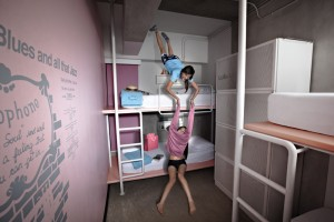 img31963-HI-Lub-d-Siam-Square,-dorm-room-with-2-women-