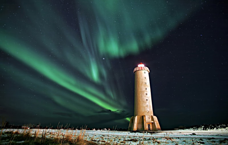 img34256-Akranes-Hostel-Lighthouse-at-Northern-Lights- (800x511)
